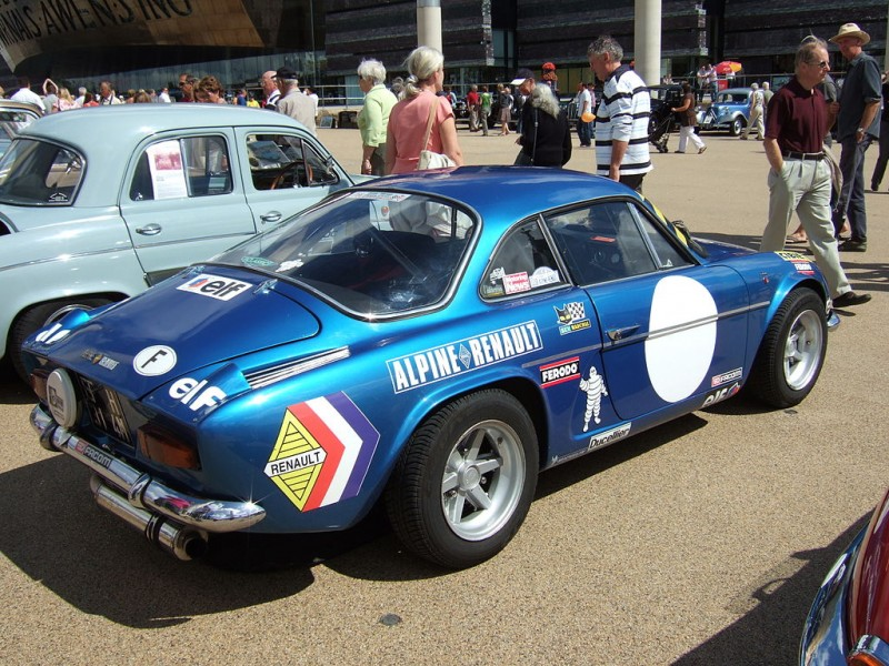 Par John Greenaway from Cardiff, United Kingdom — Renault / Alpine, CC BY-SA 2.0, https://commons.wikimedia.org/w/index.php?curid=19378302